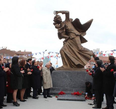 Ankarada Xocalı soyqırımı qurbanlarının xatirəsinə ucaldılmış abidə