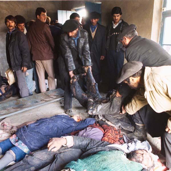 Жертвы ходжалинского геноцида. 1992 Фотограф Халида Аскеров