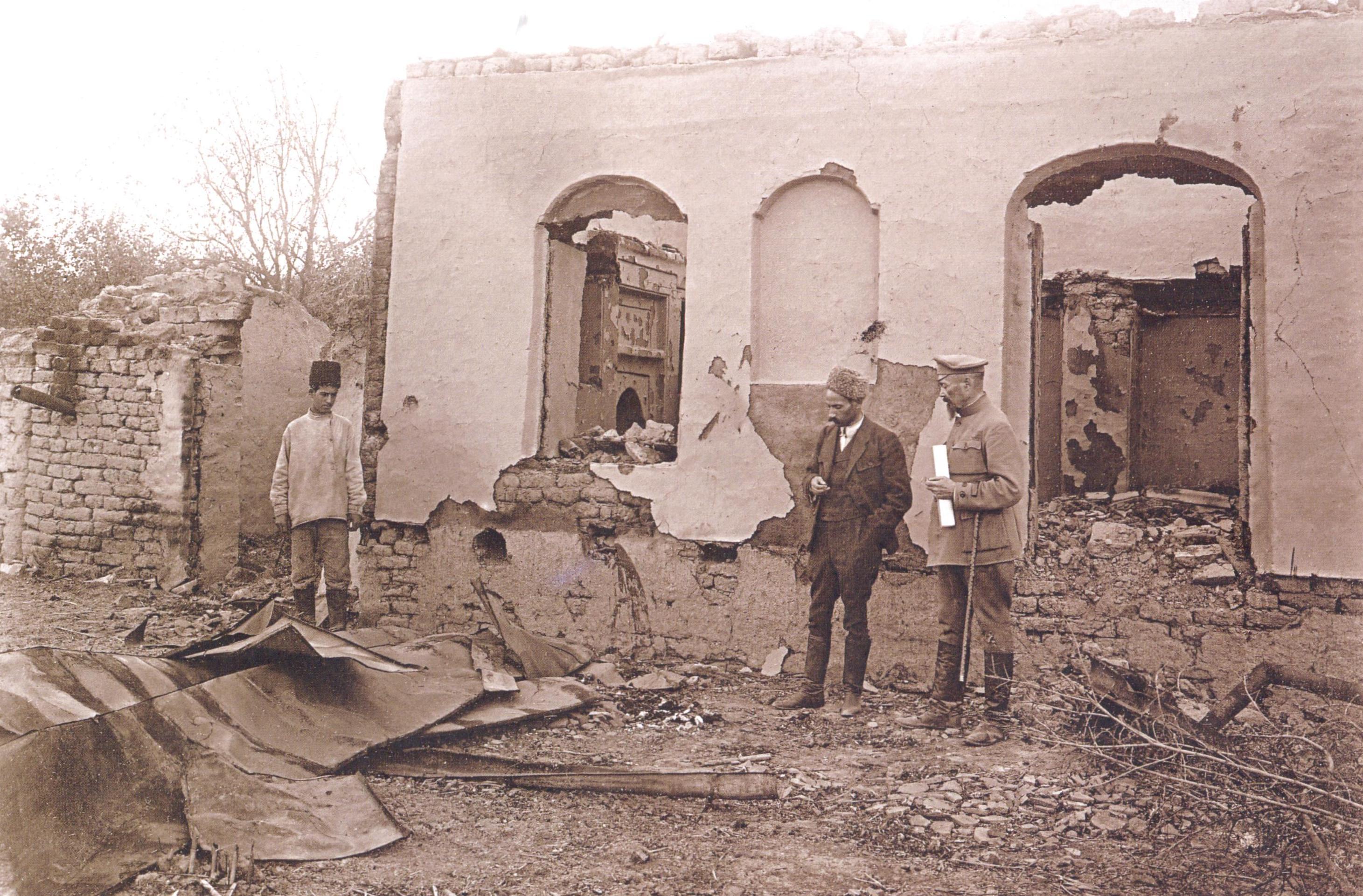 3 Qoca Mehdiyevin evi və yanıb kül olmuş sümüklərinin qalıqları 1918 ci il Soyqırımı: Göyçay qəzası