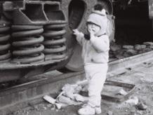 27-Sabirabad-rayonunda-dəmir-yolunda-məskunlaşan-uşaq-2001-il