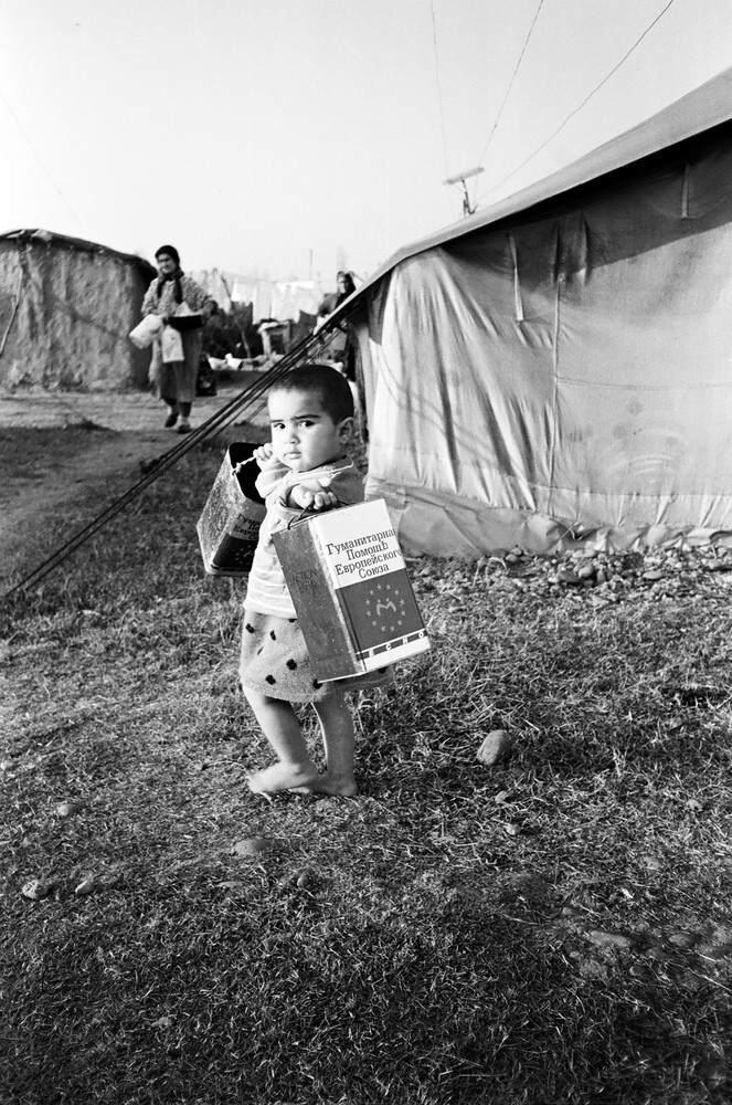 IDPs from Jabrayil, IDP camp 1995. Photo by Elnur Babayev