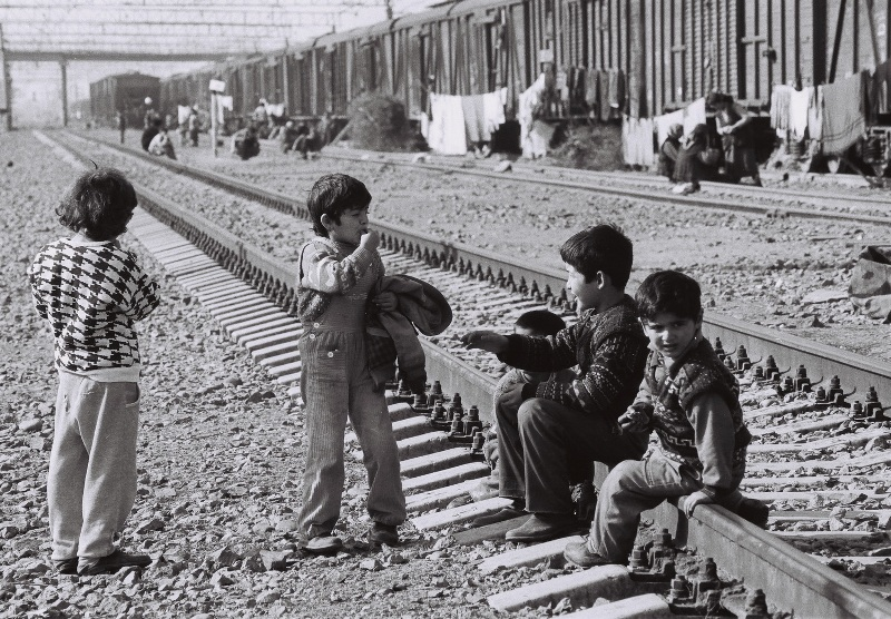 Internally displaced women dwelled in the railway of Sabirabad district, 2001. Photo by Mirnaib Hasanoglu