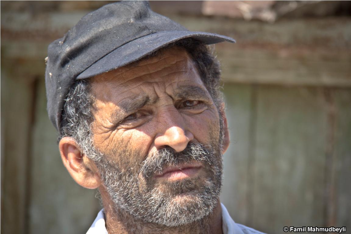 Tərtər rayonu, 2013. Qapanlı kənd sakini.