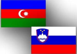 Azerbaijan_Slovenia_flags_180912