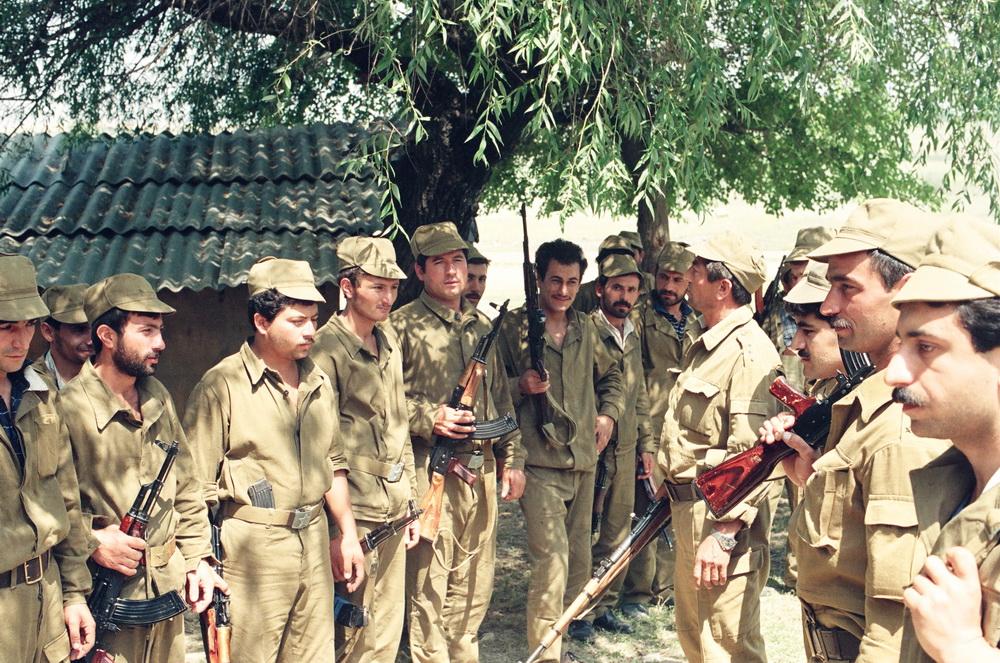 گردان لاچین، مختار هاشم اف فرمانده گردان، در وسط، سال ۱۹۹۳