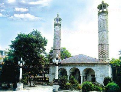 Yuxarı gövhər ağa məscidi