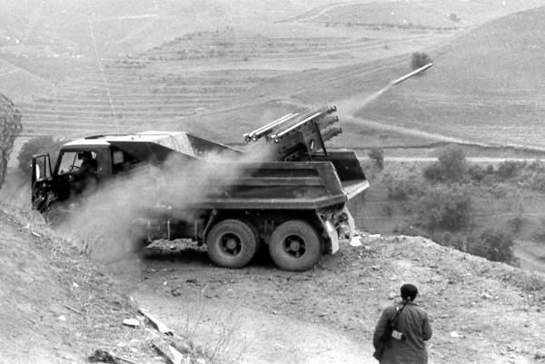 Alazan raketindən atəş. Gornaboy rayonu, Todan kəndi. 1991-ci il