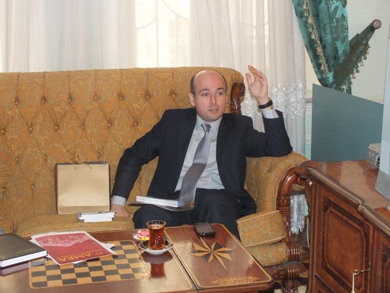 Milli Azərbaycan Tarixi Muzeyinin elmi katibi Fərhad Cabbarovla müzakirə. 06.02.2015