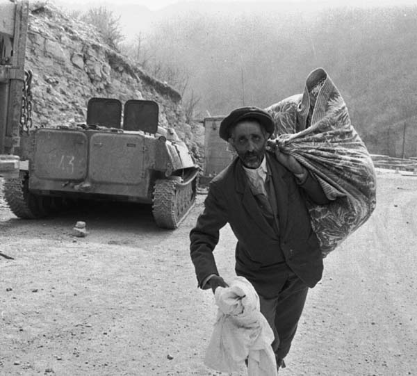 People fleeing Kalbajar. Photographer: Khalid Asgarov