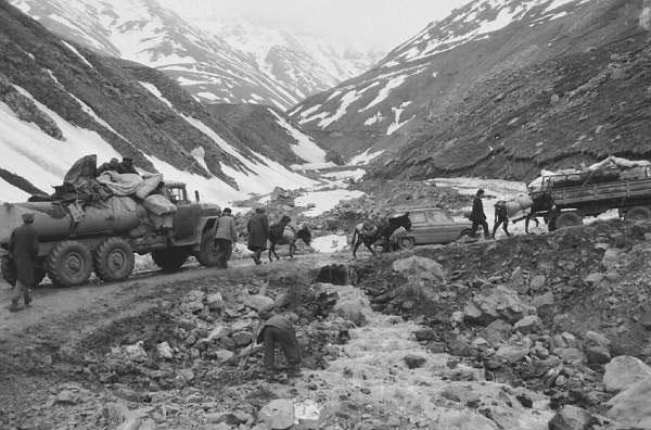 Кельбаджарцы уходят. Фотограф: Халид Аскеров