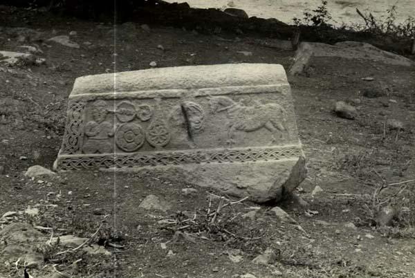caucasian_albania_era_monument_in_urud_graveyard