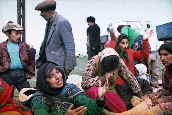 Кельбаджарские беженцы. Гёйгёль. Фотограф: Халид Аскеров