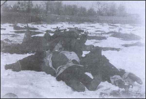 10 fevral 1918-ci ildə bədənlərinin bəzi hissələri balta ilə kəsilərək su quyularına atılmış türklərin ölü bədənləri