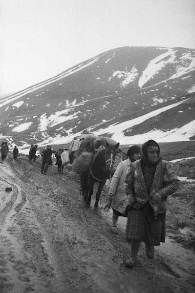 Прощайте, горы. Фотограф: Халид Аскеров