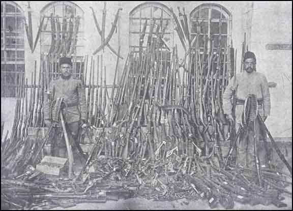 Urfada ermənilərdən ələ keçirilən silahların bir qismi