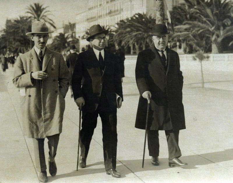 Paris Nümayəndə heyəti mühacirət illərində. Soldan: Məmməd Məhərrəmov, Miryaqub Mirmehdiyev, Əlimərdan bəy Topçubaşov. Genuya, 1922-ci il