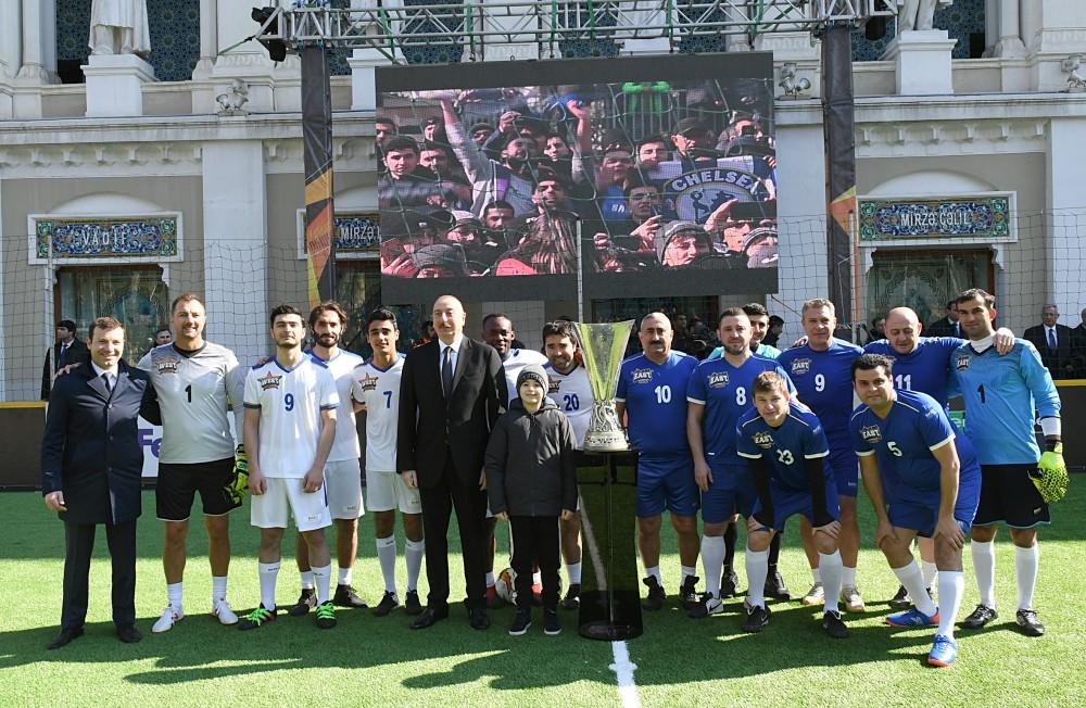 Baku 2019 Finale Der Stars Prasident Ilham Aliyev Schaut Beim
